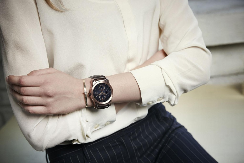So sánh Apple Watch và LG Watch Urbane ảnh 10