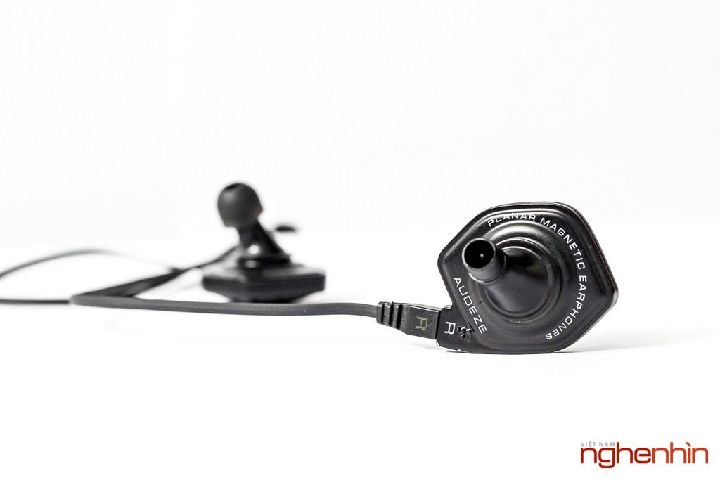 Mở hộp cặp tai nghe từ phẳng in-ear Audeze iSine 10 ảnh 11