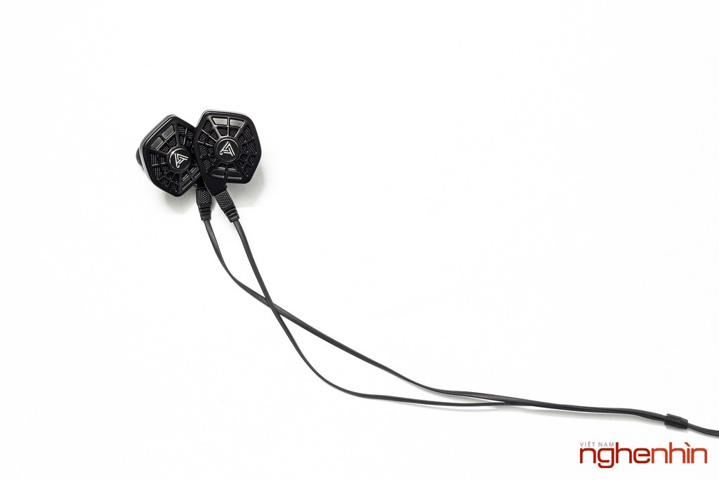 Mở hộp cặp tai nghe từ phẳng in-ear Audeze iSine 10 ảnh 1