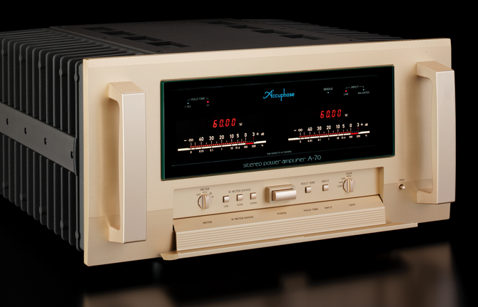 Editor's Choice 2015: Power Ampli Accuphase A-70 ảnh 1